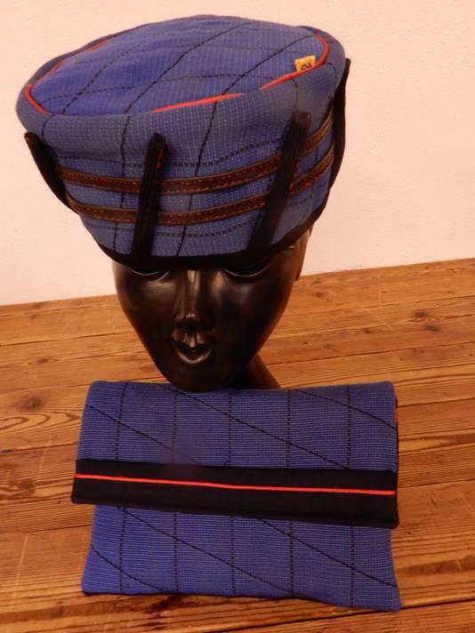 Deze hoed van Karien Wiericx uit Roosendaal is nu te zien op Den Haag Centraal.