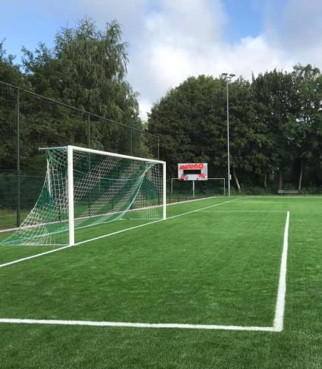 OVV heeft nu 'FIFA-proof' kunstgrasveld