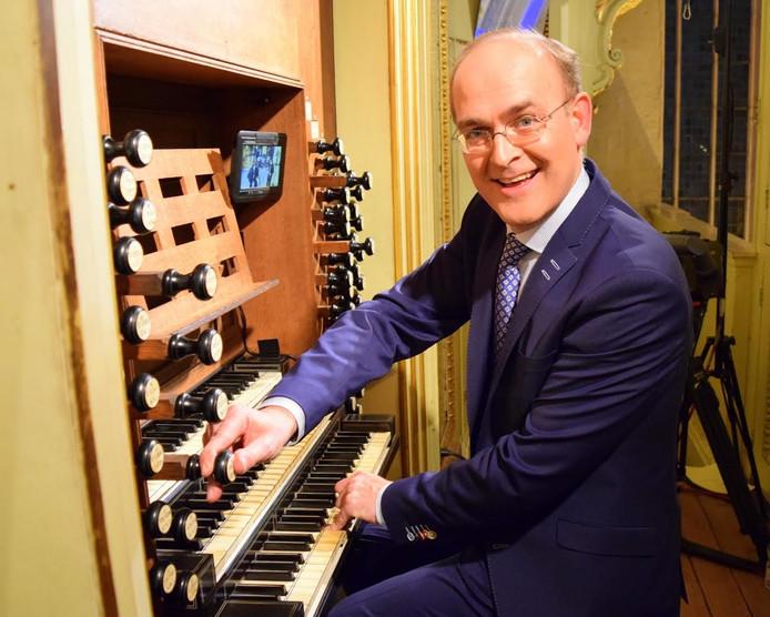 Harm Hoeve sluit de dinsdagavond-orgelzomer in Kampen af met een concert van koraalbewerkingen en klassieke muziek.