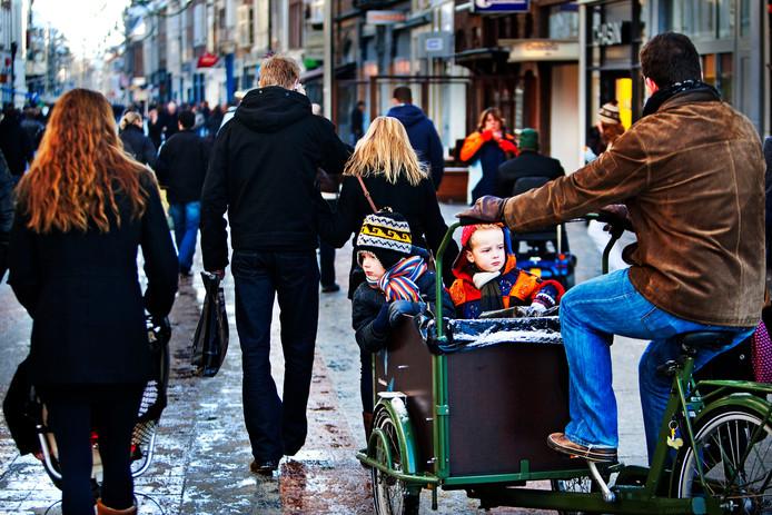 Een winkelstraat in Den Bosch. Brabanders zijn net als inwoners van Limburg en Overijssel het meest honkvast als ze zich eenmaal hebben gesetteld.