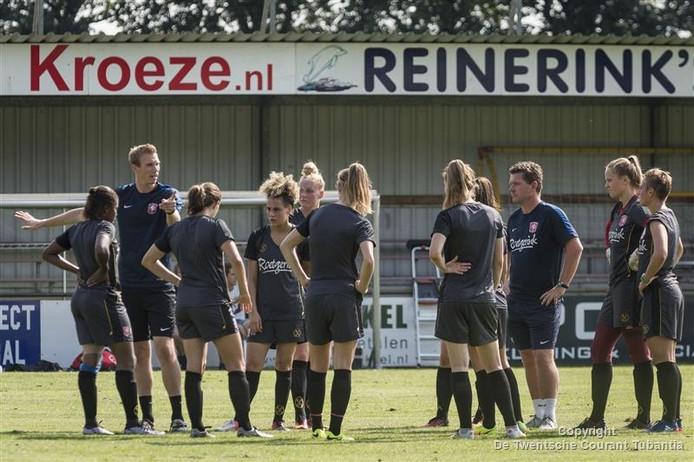 Tommy Stroot is de nieuwe coach van FC Twente