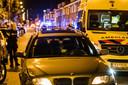 Auto beschoten op de Broekhovenseweg in Tilburg. Een persoon is gewond geraakt.