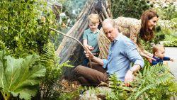 Prinsjes leven zich uit in tuin die mama Kate ontwierp