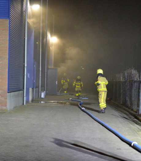 Brand in Apeldoornse loods begon in een van de opgeslagen fietsenaccu's