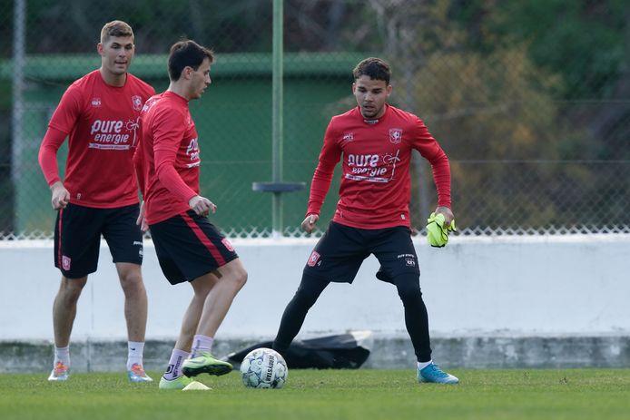 Emil Berggreen (links) Javier Espinosa en Calvin Verdonk: drie spelers van vorig seizoen die inmiddels allemaal zijn vertrokken bij FC Twente.