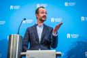 Minister van Economische Zaken en Klimaat Eric Wiebes verlengt de subsidie op zonnepanelen met drie jaar.