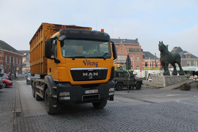 Een vrachtwagen op de Markt. Dat beeld moet grotendeels tot het verleden gaan behoren.