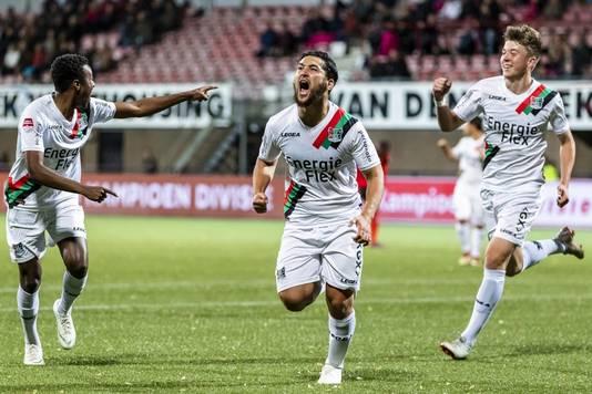 Anass Achahbar juicht nadat hij NEC op voorsprong heeft gezet tegen Helmond Sport.