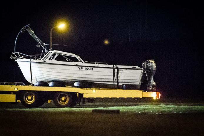 Het sportvisbootje dat aangetroffen werd bij Neeltje Jans