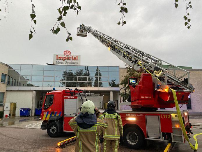 Brand in het dak van mestbedrijf Imperial in Lievegem.