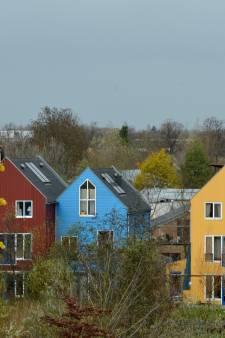 Alleen door er woningen naast te bouwen is de watertoren in Culemborg te onderhouden