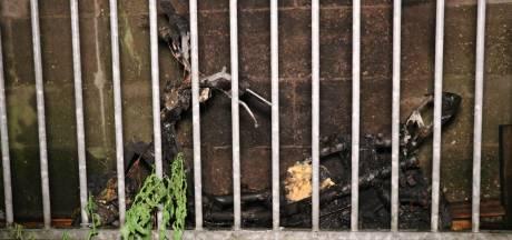 Scooter uitgebrand in Ondiep: wellicht brandstichting