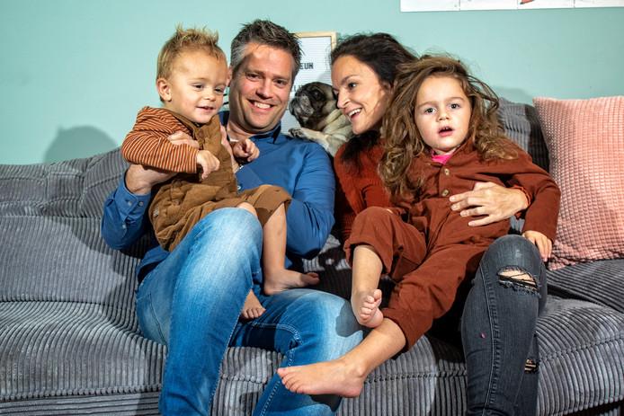 """Het gezin Stoltz-Oosterom. ,,We leven van dag tot dag."""""""