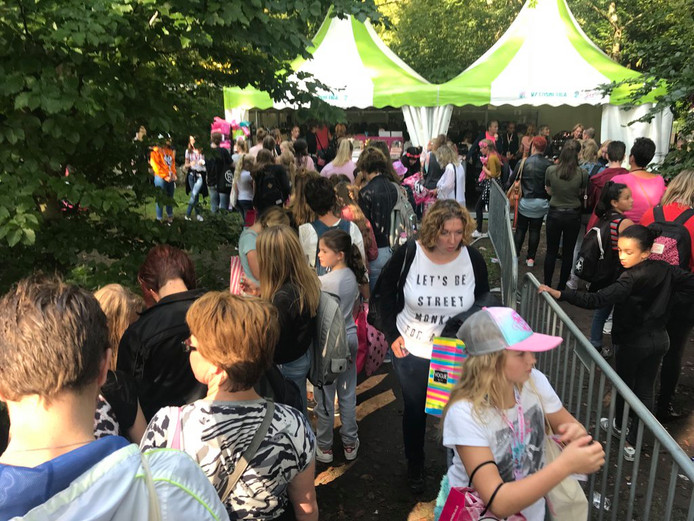 De enorme drukte op het Tina Festival is veel ouders een doorn in het oog.