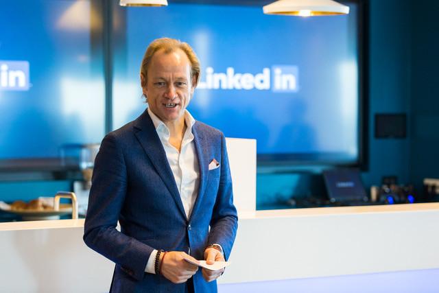 """Marcel Molenaar: ,,Informatie over een bedrijf is vaak makkelijker in te winnen via medewerkers dan via de officiële kanalen."""""""