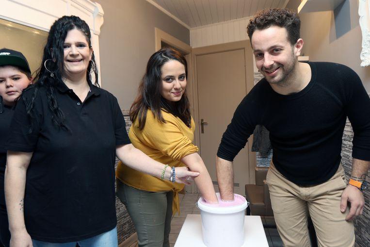 Jamilla Baidou en haar vriend Kjell Pyl lieten een afdruk maken bij Hyacintha De Vogel.