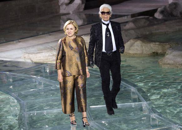 Karl Lagerfeld (R) en Silvia Venturini Fendi