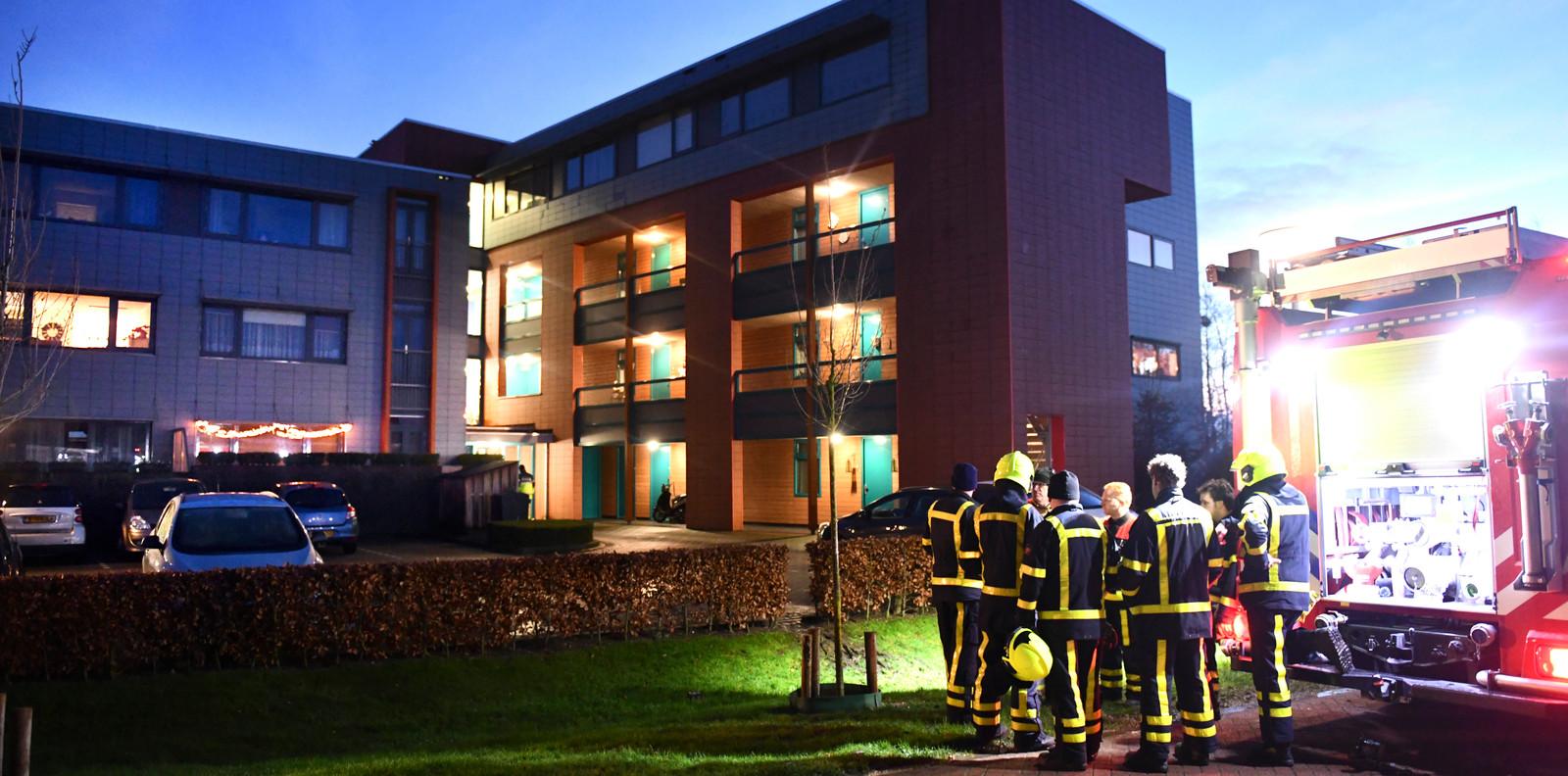 De brand in een appartementencomplex aan de Concorde in Buren waarbij het levenloze lichtaam van Nathalie werd gevonden.