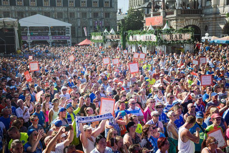 50.000 bezoekers minder, dat komt overeen met 6 volzette Sint-Baafspleinen