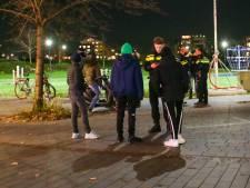 Politie in Ambacht maakt zich op voor rellende vuurwerkjeugd; aantal boetes uitgedeeld
