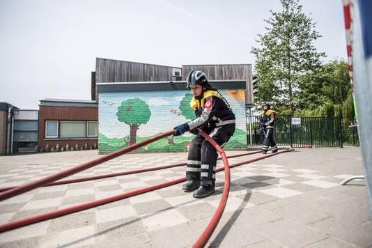 Jeugdbrandweerwedstrijd in Velp.