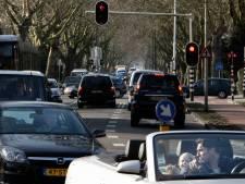 Vrachtwagens mogen weer over de Molenlaan, buurt baalt