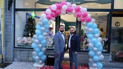 Broers verwezenlijken droom en openen nieuwe kapperszaak met beautysalon
