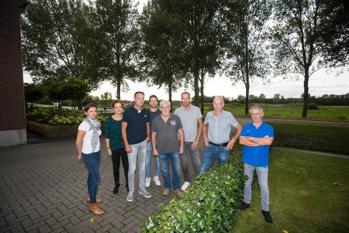 Een groep bewoners van Ewijk is tegen de komst van de windmolens.