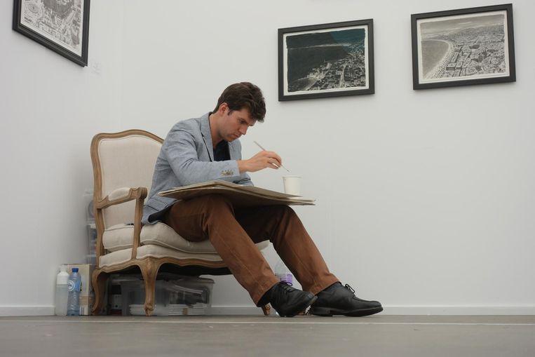 Stefan Bleekrode in de Utrechtse galerie van kunsthandelaar Welkenhuysen. Beeld Frank Welkenhuysen