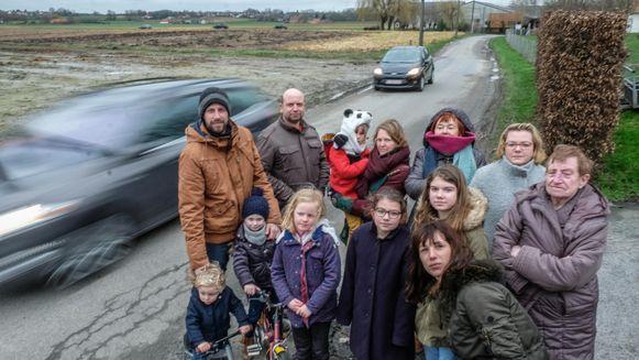 De bewoners kwamen in februari samen om de verkeersonveiligheid in de Morinnestraat aan te kaarten.