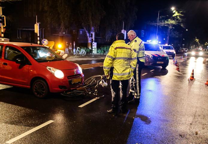 Het ongeluk gebeurde op de kruising van de Krispijnseweg met de Mauritsweg.