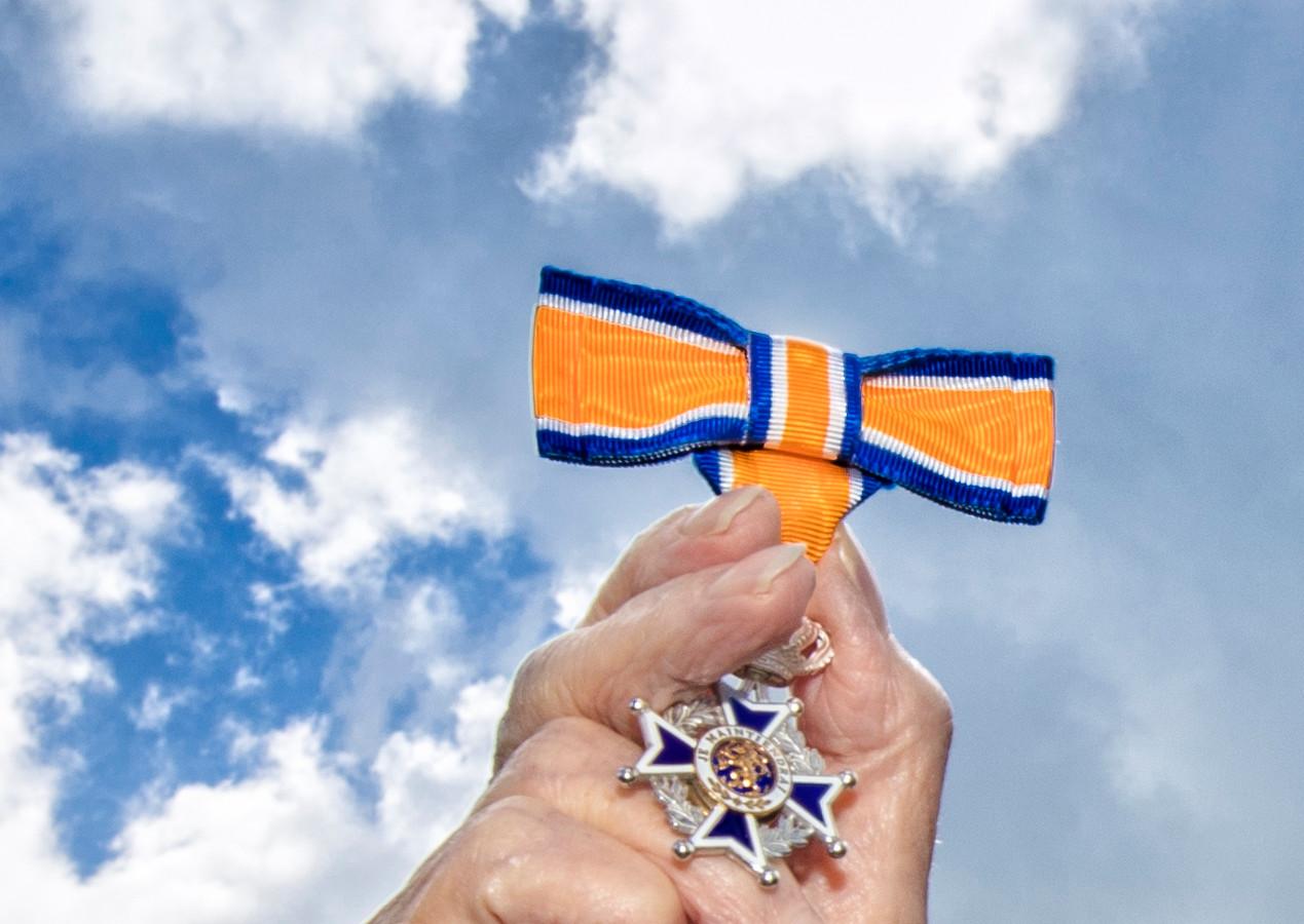 Ook vrijdag ligt er weer een koninklijke onderscheiding klaar voor een aantal inwoners van de gemeentes Raalte en Olst-Wijhe.