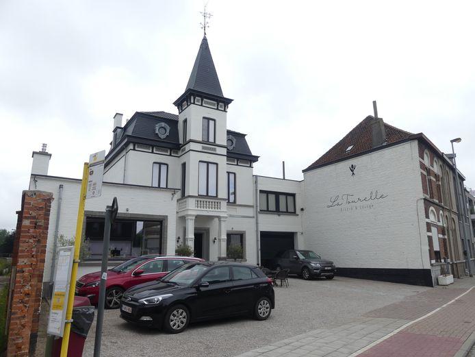 Het bekendste torentje van Deinze komt weer tot leven als bistro/lounge La Tourelle.