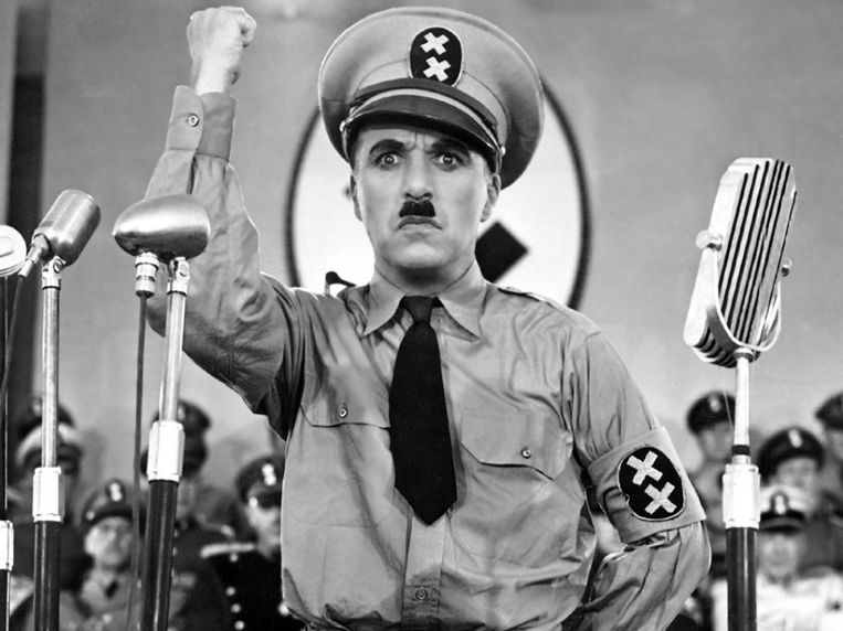 Charlie Chaplin in The Dictator. Beeld .