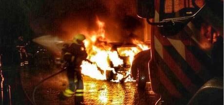 Auto brandt uit aan de Scheveningse Kerklaan