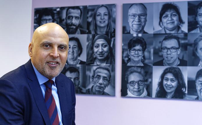 Ahmed Kansouh verruilt Baanbrekers voor de gemeente Rotterdam. Een baan die hij, naar eigen zeggen, niet kón laten schieten.