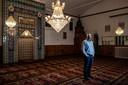 Senol Emuce van de Turkse Eyüp Sultan Moskee aan de Vondelstraat. Emuce is van de bouwcommisie van de geplande nieuwe moskee op het Jonkerbosplein.