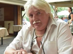 """Jan (62) sterft aan hartfalen in eigen bakkerij: """"Een warm man met een gouden hart, we gaan hem zo missen"""""""