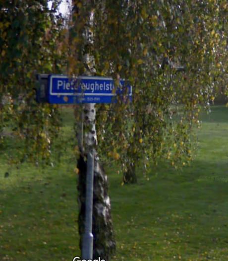 Dongen pakt foute info op straatnaambordjes aan