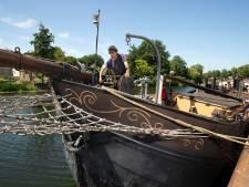 Schipper Hans Sol als kind zo blij met tijdelijke ligplek in Oude IJssel