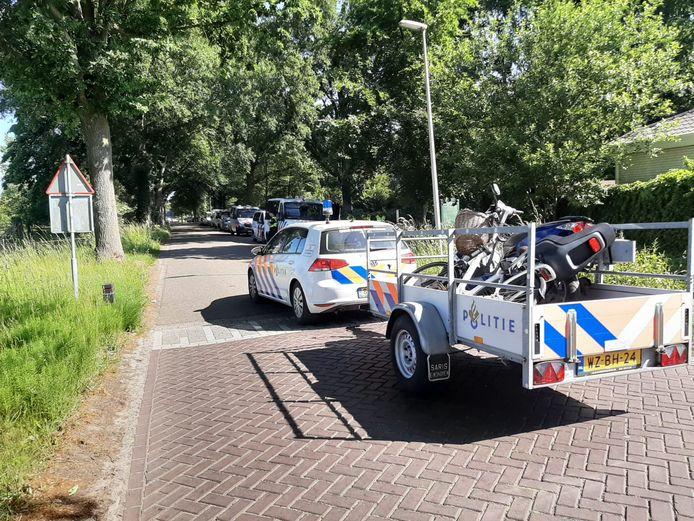 Fiets en scooter in beslag genomen.