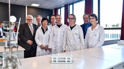 Oscar Romerocollege opent nieuwe chemielokalen voor STEM-richtingen