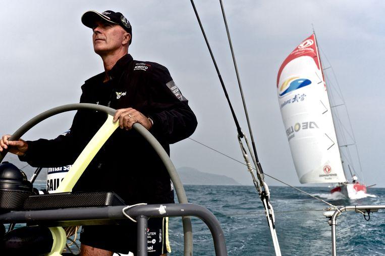 Schipper Bouwe Bekking tijdens de vierde etappe van de Volvo Ocean Race. Beeld getty