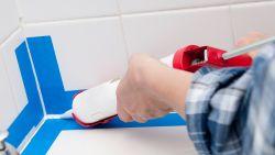 Een verse laag silicone in de badkamer: doe het zelf met deze tips