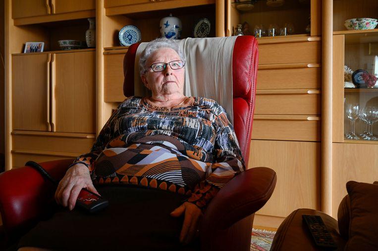 Marie-Louise Pieters herinnert zich nog precies hoe 75 jaar geleden een vliegende bom insloeg op Villa De Herde in Grembergen.