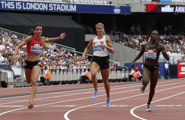 Dafne Schippers stelt **flink teleur** op de 200 meter