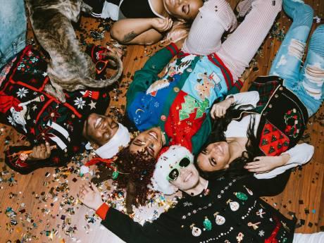 10 pulls de Noël kitsch mais stylés pour les fêtes