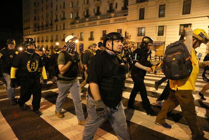 El 12 de diciembre de 2020, miembros del grupo de extrema derecha marcharon en Washington, DC para protestar por los resultados de las elecciones.