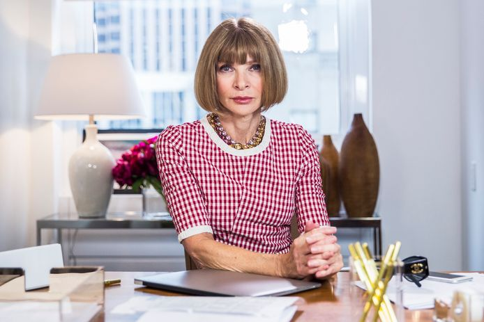 "LATE NIGHT WITH SETH MEYERS -- Episode 202 -- Pictured: Anna Wintour during the ""Anna Wintour: Comedy Icon"" skit May 6, 2015 -- (Photo by: Lloyd Bishop/NBCU Photo Bank/NBCUniversal via Getty Images via Getty Images)"