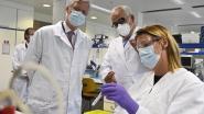 """IN BEELD. Koning Filip bezoekt Janssen Pharmaceutica: """"We hopen het eerste kwartaal van 2021 te kunnen vaccineren"""""""
